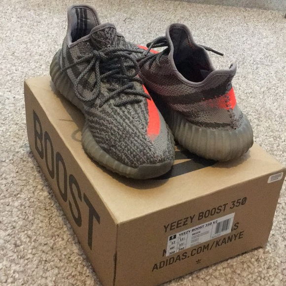 the best attitude 79fa9 1cd7d AUTHENTIC Yeezy Boost 350 V2 with original box.